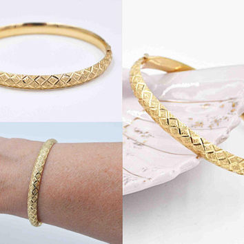 Vintage 14K Yellow Gold Hinged Bangle Bracelet, Textured and Smooth, Diamond Cut, Crisscross, 7.1 Grams, Fine Gold, Gorgeous! #c580