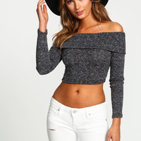 OFF SHOULDER RIBBED KNIT CROP TOP