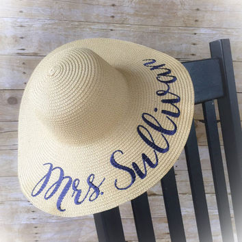 Personalized Floppy Beach Hat, Embroidered Sun Hat for Bride Bridesmaids, Custom Hat, Beach Hat, Honeymoon, Gift for Bride, Bridal Shower