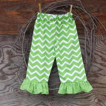 Girls Chevron ruffled pants, size 24 months 2 ,3, 4 toddler , Chevron green and white, fall, thanksgiving,