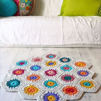 $88.16 Rug Crochet hexagon square by lacasadecoto on Etsy
