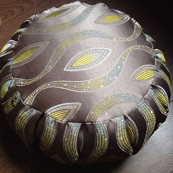 Meditation & yoga round cushion zafu pillow - Shimmering grey waves flower organic buckwheat zen accessories