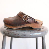 Vintage 70s Brown Leather Clogs with Wood Sole and Sling Back Strap Sz 7.5