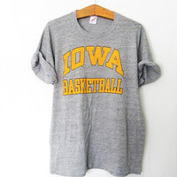 Vintage Iowa Basketball Hawkeyes Jerzees Tshirt