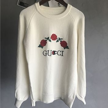 GUCCI 2017 autumn and winter new women Slim was thin knitted embroidery rabbit warm sweater White