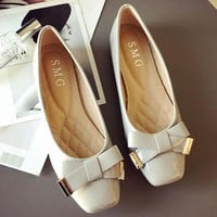 New shallow-mouthed women's single shoes with flat bottom and big size shoes with beancurd shoes