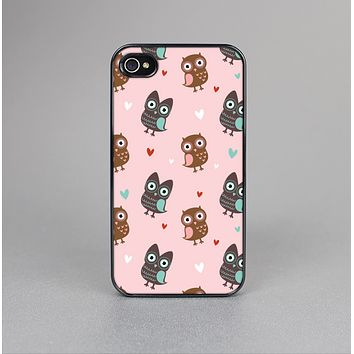 The Subtle Pink and Blue Vector Love Owls Skin-Sert Case for the Apple iPhone 4-4s