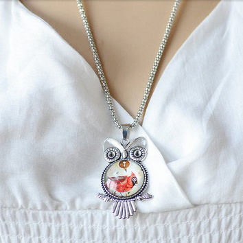 Vintage design Owl Pendant Necklace. Womens Red owl pendant necklace. Antique silver style necklace