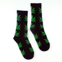 Men Casual Long Socks/Green Weed