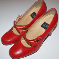 Vintage Red Leather Shoes... 30s Retro style... Very Cute...