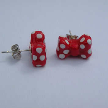 Minnie Mouse Bow Stud Earrings by MonsterBakery on Etsy