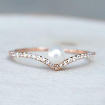 V Pearl Ring   Rose Gold