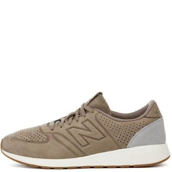 CREYI7E New Balance 420 Deconstructed Sand with Grey Sneaker