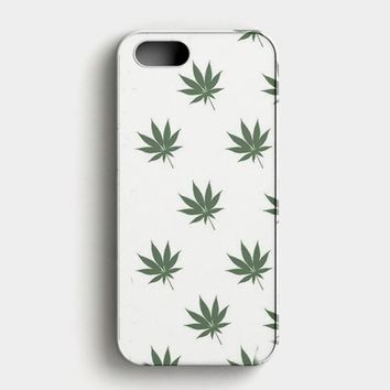 Marijuana Weed Leaf Pattern iPhone SE Case