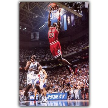 Michael Jordan Dunks Basketball Star Inspirational Art Silk Poster Print Sport Picture Home Wall Decoration