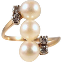 Three gorgeous Japanese pearls enhanced with 4 natural diamonds on 18K solid gold Fine multifunction gold stamped jewelry