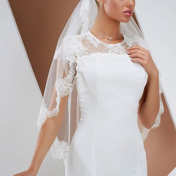 be-veil_s160 Single layered veil with fine lace edge