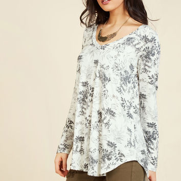 Embracing Basic Long Sleeve Top in Smoky Floral | Mod Retro Vintage Short Sleeve Shirts | ModCloth.com