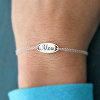 Mom Bracelet Mother of the Bride Gift Mother of the Groom Gift Mothers Day gift New mom gift