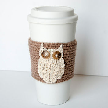 Snowy woodland owl Coffee Cozy, crocheted, taupe, brown, beige, cream owl