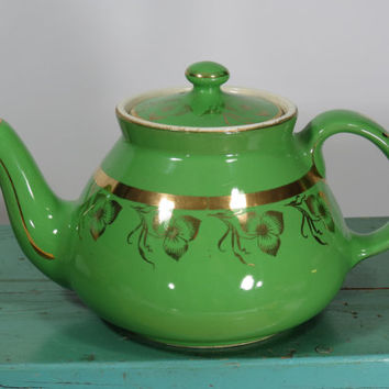 Hall China New York Teapot • Bright Green with Gold Band and Flowers • 6 Cup • Vintage Ceramic • Made in USA