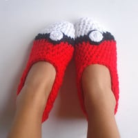 Pokemon Pokeball House Slippers Women Size 5 to 10.5