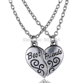"2P ""Best Friends"" HandStamped Puzzle Necklace Broken Heart Pendant Vintage Couple Necklaces Personalized Gift for Friends"