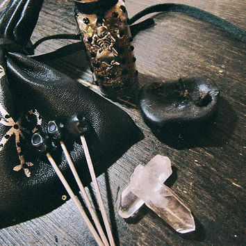 Leather Mojo Bag - Gris Gris - Hoodoo - Voodoo Altar - Medecine Pouch - Witchcraft - Crystals Set - Pagan - Wicca - Spell Kit - Mojo Pouch