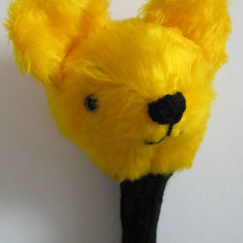 Golfers' Novelty Gift, Bear Head Yellow Plush Golf Club Cover, Black DK Knitted Handle Shield, Unusual Basket Filler,Easter Gift for Golfers