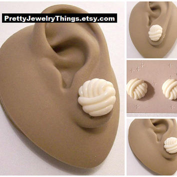 Cream White Knot Domed Button Clip On Earrings Gold Tone Vintage Avon Round Swirl Rib Layered Waved Lines Scallop Edges