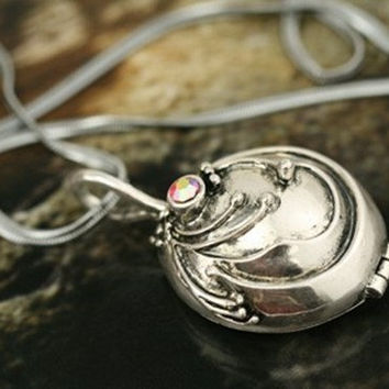 inspired Vampire Diaries Elena Vervain Necklace by qizhouhuang