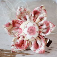 Pretty Blossoms flower hair clip from VioletsBuds