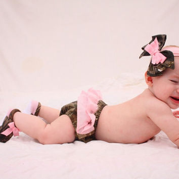 Baby girl camo Realtree gift set diaper cover shoes by haddygrace