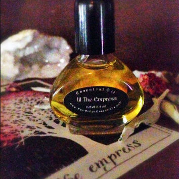 III The Empress Essential Oil Blend Exotic Luxury Perfume,Tarot Collection Rare Sandalwood,Rose Otto, Blue Yarrow, Pink Lotus, Wild Lavender