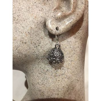 Vintage Handmade Filligree 925 Sterling Silver Lever Back Ear Wire Earrings