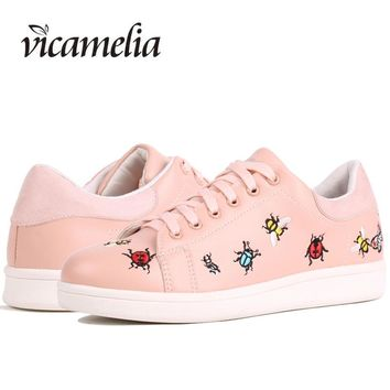Vicamelia 2017 Fashion Embroidery Insects Moccasins Preppy Style Casual White Shoes Autumn Sneakers Women Flats Shoes 062