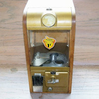 Rare Vintage Victor Gumball Candy 1 Cent Vending Machine
