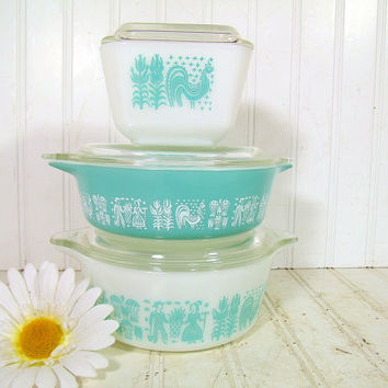 Vintage Pyrex Casseroles Set of 3 - Retro Butterprint Amish Pattern Collection – Aqua Sea Foam Blue Green & White 6 Pieces with Glass Lids