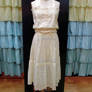 1970s Cream Hippie Eyelet Lace Crop Tank Top and Prairie Skirt Set Floral Scalloped HemS/M