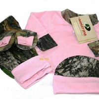 JLCK Mossy Oak & Pink Camo Infant/ Baby 4PC Gift Set: Shirt Pants Hat & Booties (3-6 MONTHS / 9--16 LBS)
