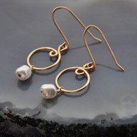 Pearl Earrings, 14K Gold Fill Wire Earring, Bridal Wedding Jewelry, Minimalist Dangle