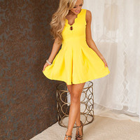 Bright Sun Shining Day Scalloped Dress
