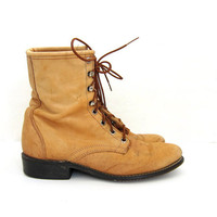 Vintage tan leather boots. Lace Up Ropers. Western Boots. Worn In Country Boots. Women's Boots