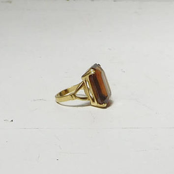 Brown Rhinestone Ring Big Large Party Cocktail Jewelry Gold Tone Band Pronged Emerald Cut Vintage Size 5