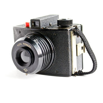 Vintage AGFA Pioneer Camera - Retro 1950s Second Model /  Black Box Photography