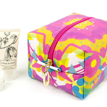 Medium square make up bag in exclusive Punto Belle designed fabric 'Circus' toiletries case, waterproof lining, cosmetic bag