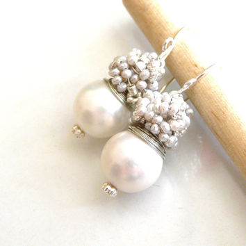 Wedding jewelry  - The Laurent in white- fresh earrings with white shell pearl and silver sea pearls