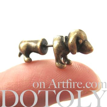 Fake Gauge Earrings: Realistic Dachshunds Puppy Dog Animal Stud Earrings in Brass