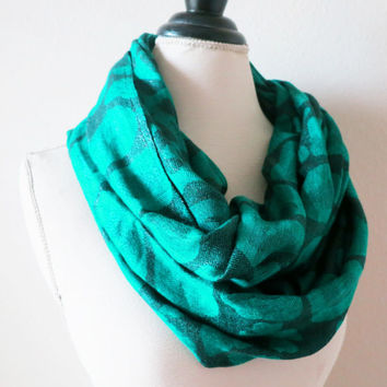 Circle Scarf in Emerald Green  - Infinity Scarf - Loop Scarf -  Chunky Scarves - Christmas Gift