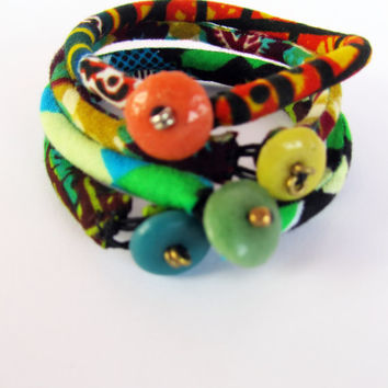 Skinny Friendship bracelet - Colorful Ethnic Recycle Glass Button